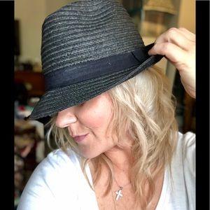 Accessories - Black fidora hat